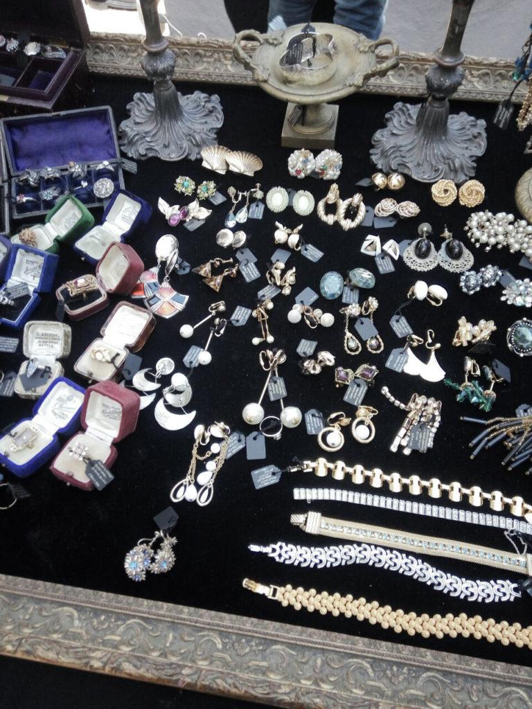 Roppongi ARK Hill flea market